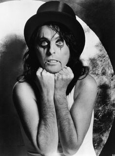 Thinking of doing alice cooper makeup for Halloween :)