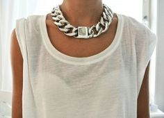 love this chunky necklace with a simple tee