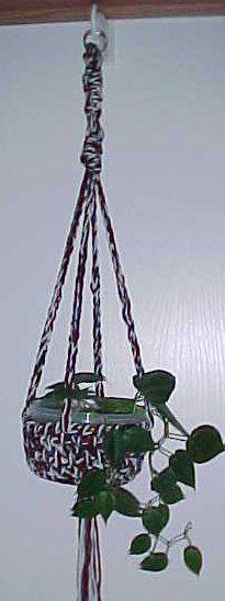 plant hangers, plant holders, pattern courtesi, hanging plants, hang plant, crochet patterns, holder pattern