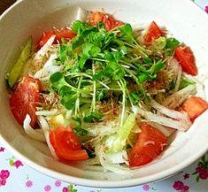 """""""Salad of a new onion with Shiokoji"""" - japanese recipe/☆新玉ねぎと塩麹のさっぱりサラダ☆"""