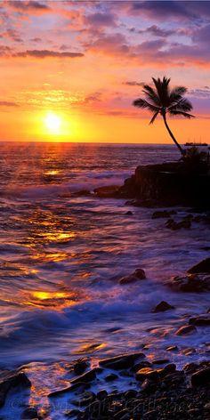 ๑ Sunset in Kailua Kona, Hawaii • photo: CJ Kale
