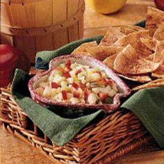 Apple Salsa with Cinnamon Chips - delicious !