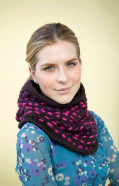This unique knit cowl allows you to express your creativity with freeform embroidery.  Make it now with our Hometown USA.