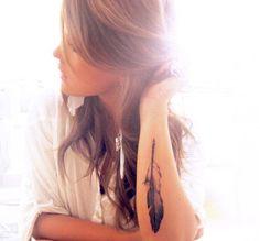 arm feather tat
