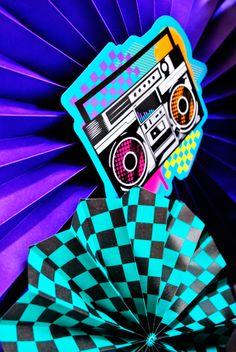 Abanicos de papel fiesta años 80´s. Disponible en http://www.fiestafacil.com/