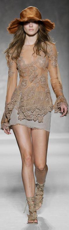 so beautiful, @AlbertaFerretti #Couture ~