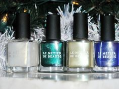 Le Metier de Beaute Holiday Nails--click thru for swatches & review!