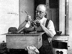Matisse travaillant à une sculpture, photo Marc Lenoir, 1930 ©DR