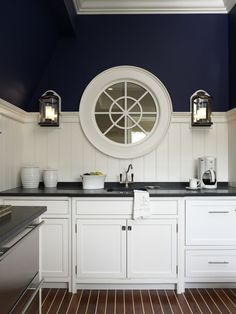 Perfectly nautical slice of a kitchen by Brooks & amp; Falotico.