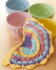 Brighten up your kitchen with this cheery and colorful dishcloth in Lily Sugar'n Cream! #crochet