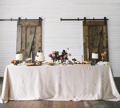 Fall cake table