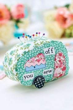 DIY Caravan Patchwork Pincushion & Suitcase Tag Templates.