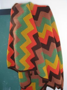 Chevron Vintage Crochet Blanket - i absolutely love these colors.