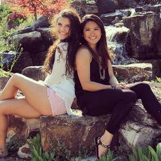 senior with friends pictures