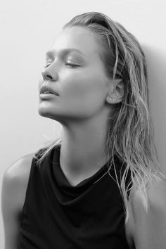 amazing lara bingle