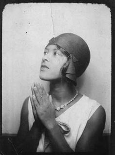 #Photobooth #Selfies -Women from 1900s to the 1970s-