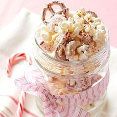 Candy Cane Snack Mix: Fantastic for holiday gifts. More food gift ideas: http://www.midwestliving.com/food/holiday/homemade-food-gifts/