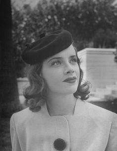Sunday Glam…Susan Peters c.1943