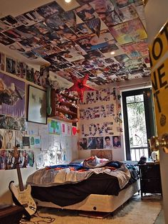 bedroom idea, teen rooms, office rooms, dream room, teenage room, dream hous, quote posters, posters on ceiling, girl rooms