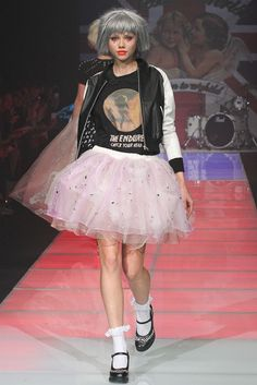skirt, grey hair, gray hair, woman fashion, style