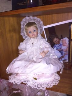 "Susan Wakeen L.E.Doll RARE! She is numbered 3/300 ""Stephanie's Christening""  She is SIGNED/AUTOGRAPHED by Susan in black in on her neck and that ups her value a ton!"