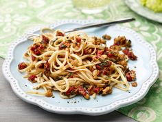 Linguine with Sun-Dried Tomatoes, Olives, and Lemon Recipe : Giada De Laurentiis : Food Network - FoodNetwork.com