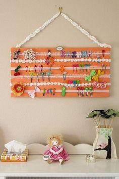girl hair, little girls, craft, hair bow holders, diy hair, hair clips, hair bows, hair accessories, canvases