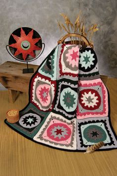 Download this FREE Aztec Medallions crochet pattern, courtesy of the Talking Crochet newsletter. Get the pattern here: http://www.crochetmagazine.com/newsletters/talkingcrochet/pages/TCNL2108_patt1.html. Sign up for the free newsletter here: www.anniesnewsletters.com.