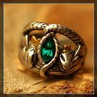 I so want this ring...the ring of Aragorn from the Lord of the Rings Movies. Viggo Mortensen is so hot in those movies!!