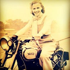 #norton 600cc ridden by 23yr old actress in '49 through London. (Taken with instagram)