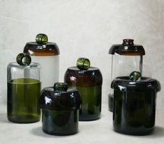 Cortando botellas de vidrio...
