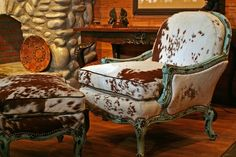 Turquoise cowhide chair and ottoman - Rustic Interior Design Photos - #WesternHome