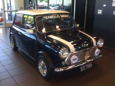I remember there was a black Mini that used to park by my apartment in my college years. So cute, just love them, I think I'd like to have a new Mini if I get the chance!