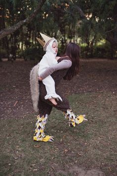 TELL:  DIY WHERE THE WILD THINGS ARE FAMILY COSTUME