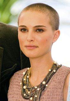26 Badass Short Haircuts To Inspire Your Summer Look