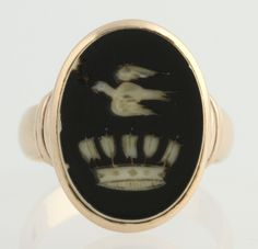 Victorian Carved Intaglio Ring - 14k Yellow Gold Banded Agate Dove & Crown Oval