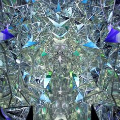 Wink Space: An Immersive Kaleidoscopic Mirror Tunnel Inside a Shipping Container http://www.thisiscolossal.com/2014/07/wink-space-mirror-tunnel/