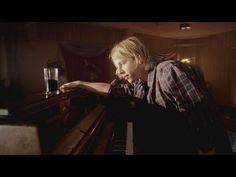 Tom Odell - Hold Me - YouTube