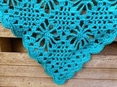 @  LINDEVROUWSWEB: Free graphic pattern for crocheted shawl