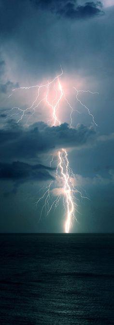 Magnificent Lightening Capture
