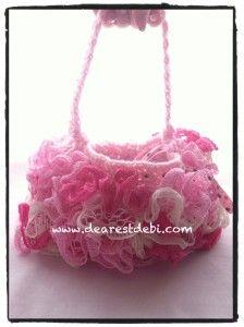 Crochet Ruffle Lined Purse - Free Pattern by DearestDebi