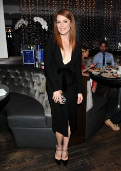 Julianne Moore plunging black dress showing off her cleavage