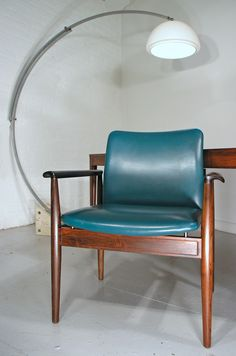 Finn Juhl Diplomat chair, designed for France and Son, Denmark 1960s, with original leather.