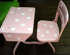 """Old school desk: So shabby chic for a little girls room............For """"Nugget""""."""