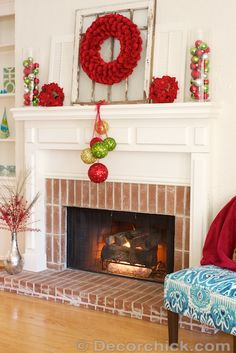 Christmas Fireplace and Mantel Makeover | www.decorchick.com