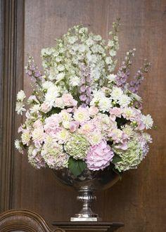 Photography: Polly Alexandre - alexandreweddings.com centerpiec photographi, alexandreweddingscom, galleries, flower arrang, mesa floral, ceremoni flower, polli alexandr, centerpieces, photography