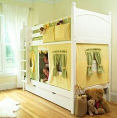 DIY bunkbed tent! Turn your kids beds into a playhouse and showpiece!