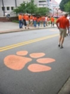 Clemson paws on road