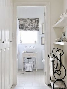 toile and white