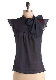 esplanade top: vintage look feminine & pretty